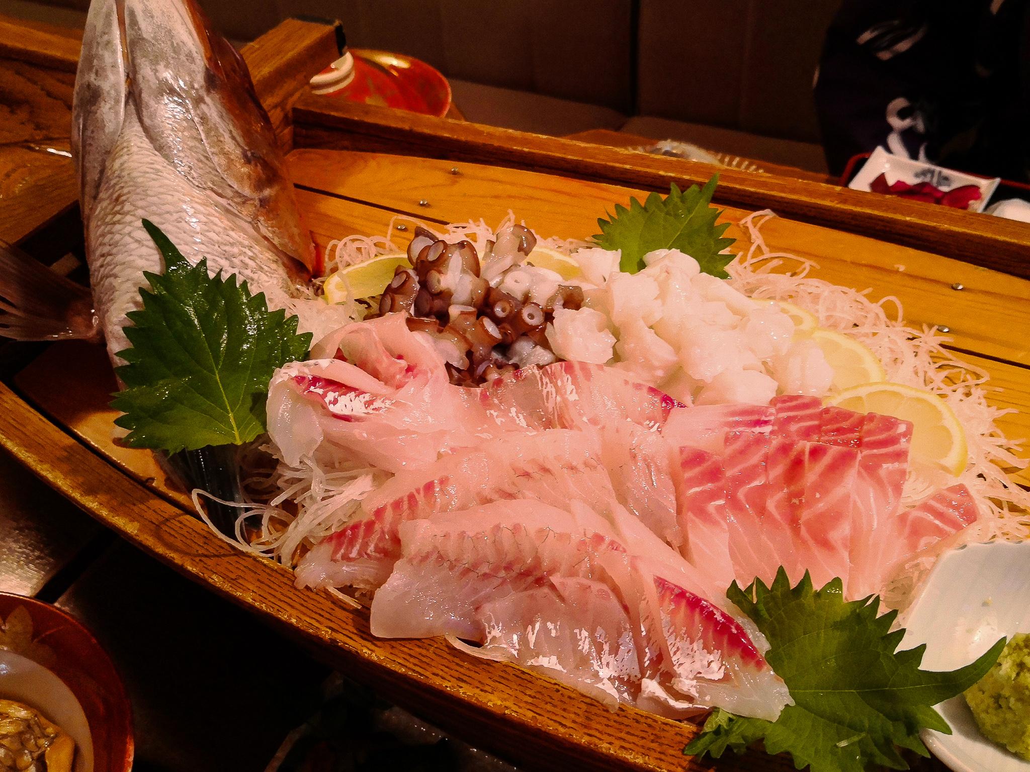 離島 神島で泊まるべき場所は間違えなく「旅館 山海壮」。新鮮な魚をたらふく食えて、ぐっすり眠れる。
